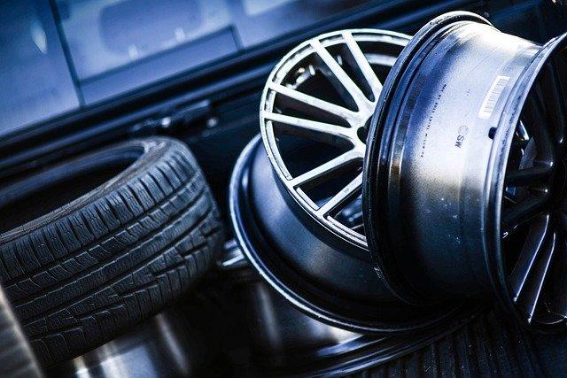 Quels pneus conviennent à ma voiture ?